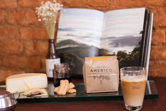 Pacote de Café Américo, geléia e biscoitos Blog Vem Por Aqui