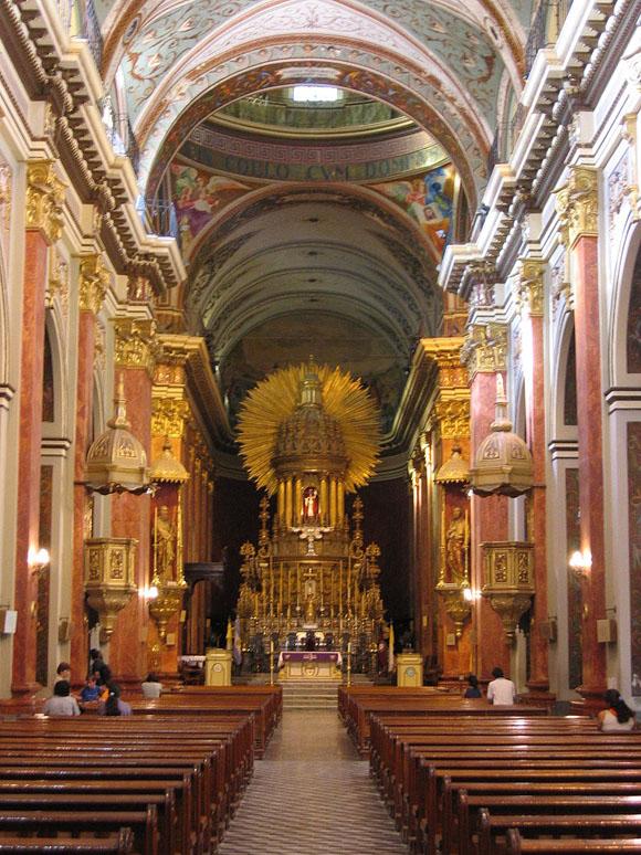 Altar com ouro da catedral de Salta Blog Vem Por Aqui