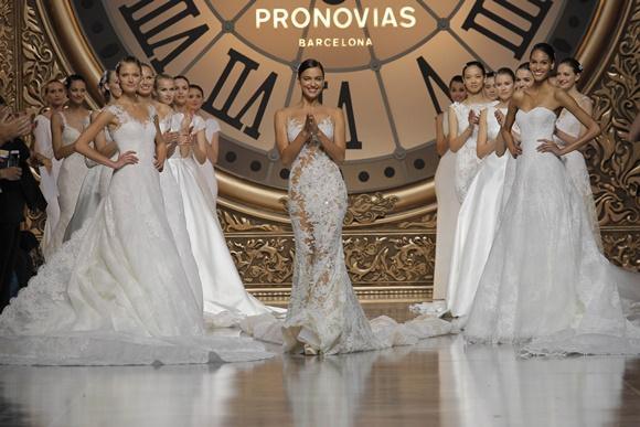 Desfile da Pronovias Blog Vem Por Aqui