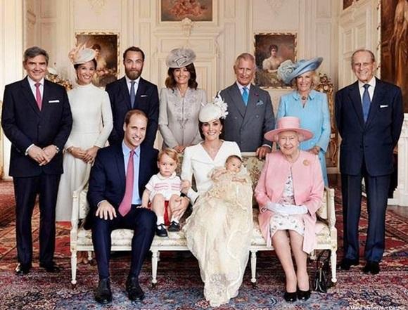 Família Real no batizado da princesa Charlotte Blog Vem Por Aqui