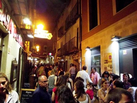 Rua de bares em Logroño Blog Vem Por Aqui