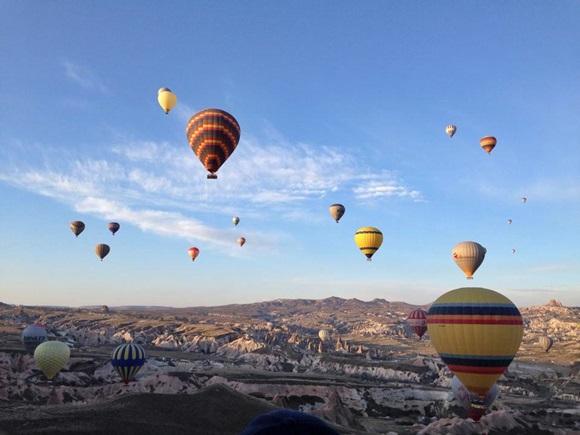 Balões no céu Blog Vem Por Aqui