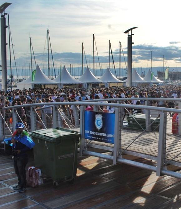 Multidão na festa durante Eurocopa Blog Vem Por Aqui