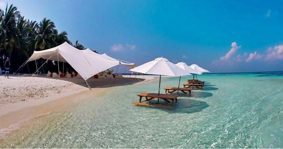 Ilha montada nas Maldivas para o evento de um cliente Blog Vem Por Aqui