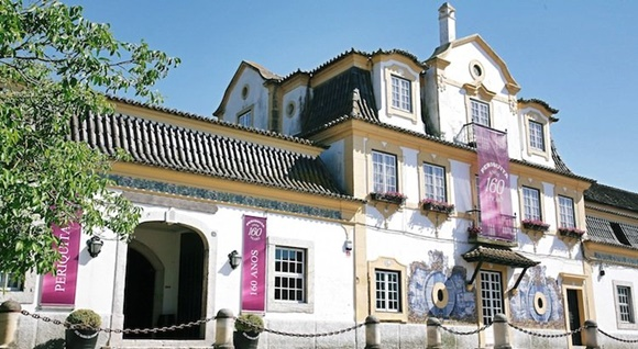 Fachada da Casa Museu com faixas comemorativas de 160 anos em frente Blog Vem Por Aqui