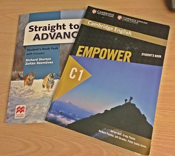 Livros diferentes usados nas duas unidades Blog Vem Por Aqui